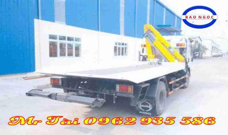Xe cứu hộ giao thông sàn trượt isuzu 3 tấn gắn cẩu
