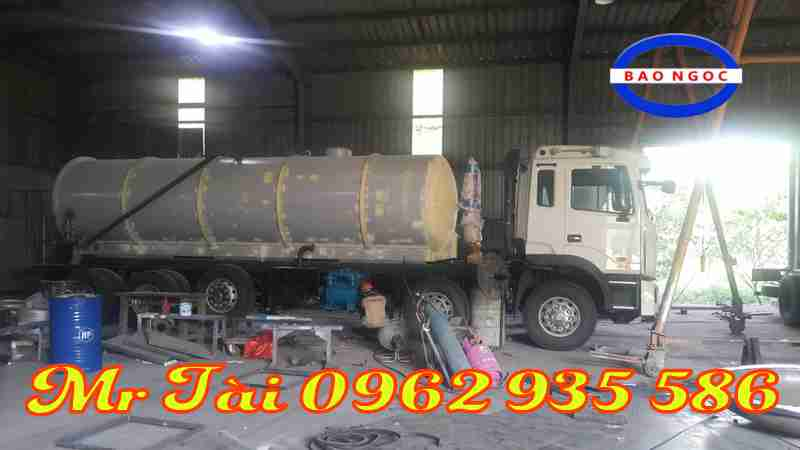 Xe hút chất thải 5 chân JAC K5 chở 18 khối