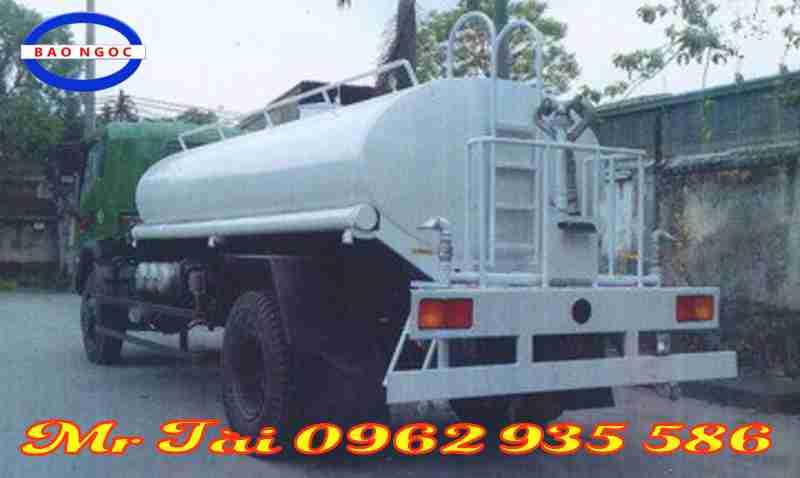 Xe phun nước rửa đường  8,5 m3 Trường giang 2 cầu 4x4