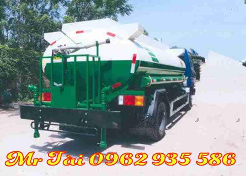 Xe ô tô xi téc phun nước 6,5 khối hd 700