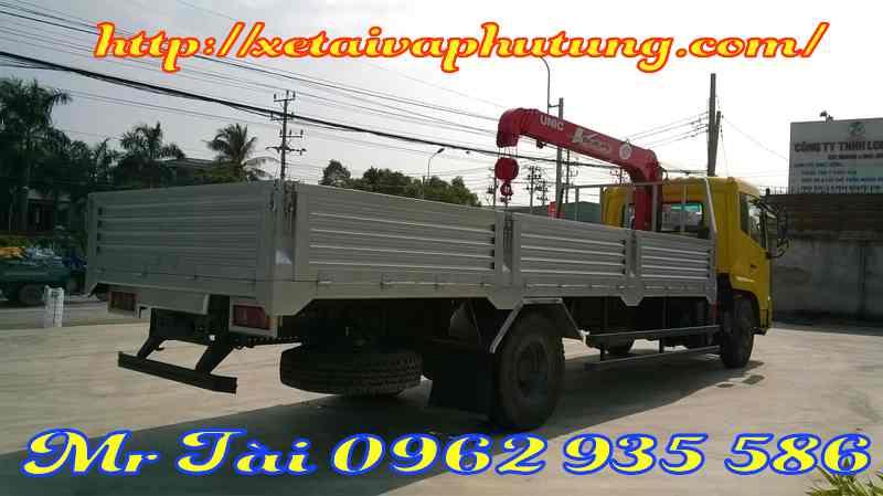 Xe Tải Dongfeng B170 Gắn Cẩu Tự Hành Unic 3 tấn