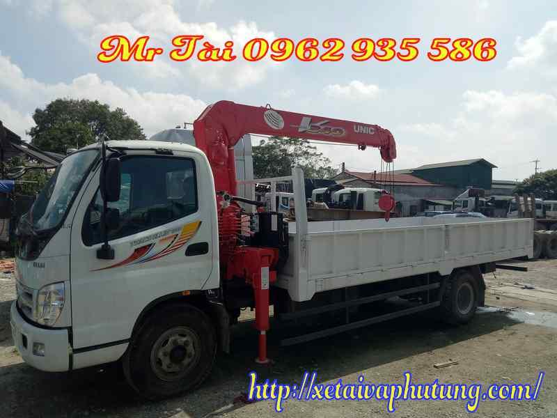 Xe tải thaco ollin 700B gắn cẩu unic 3 tấn 4 đốt